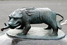 220px-Sakaiminato_Mizuki_Shigeru_Road_Baku_Statue_1